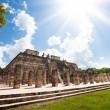 Temple and columns, Chichen Itza, Mexico — Stock Photo