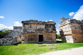 Ruined walls, El Caracol near Chichen Itza — Stockfoto