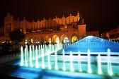 Fountain of Cloth Hall on Rynek Glowny in Krakow — Stockfoto