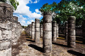 Rows of columns, Chichen Itza monument in Mexico — Stock Photo