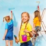 Постер, плакат: Girls painters against wall