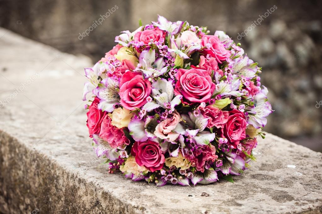 Close up of wedding bouquet — Stock Photo #12495919