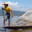The young fisherman on the lake to Inle — Stock Photo