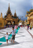 The area before a pagoda in Yangon — Stock Photo