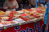 Bangkok, Thailand, September 24. Street tray with food in Thaila — Стоковое фото