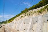 Fortalecimiento de la ladera sobre el ferrocarril — Foto de Stock