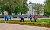 Working beautify territory in Nizhny Novgorod — Stock Photo