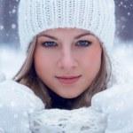 Closeup beautiful woman winter portrait — Stock Photo #18912187