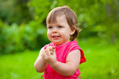 Little girl counting her fingers — Stock Photo