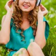 Woman portraits with headphones — Stockfoto