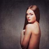 çıplak sırt portre ile güzel bir kadın — Stok fotoğraf