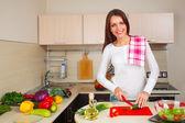 Kitchen woman making salad — Photo