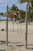 Jonge vrouw gymnast — Stockfoto