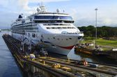 Cruise Ship Entering the Panama Canal — Stock Photo