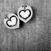 Walnut halves in the form of hearts — Stock Photo