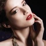 piękna kobieta z idealny makijaż — Zdjęcie stockowe #50927059