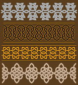 Set of celtic ornaments and patterns — Stock Vector