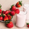 Fresh strawberry milk shake in a glass — ストック写真