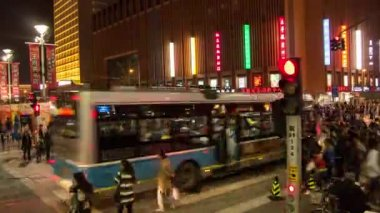 Time lapse of pedestrians cross the zebra crossing,Wangfujing,Beijing,China — Stock Video