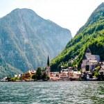 vista di hallstatt. villaggio alpino in austria — Foto Stock