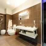 Modern bathroom luxury interior — Stock Photo