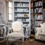 Luxurious vintage interior of sitting-room — Stock Photo
