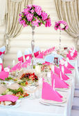 Wedding Table Decorations in pink and white colors — Stock Photo