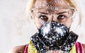 Portrait d'une femme avec masque de filtre de protection — Photo
