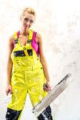 Trött kvinnliga byggnadsarbetare — Stockfoto