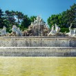 The neptune fountain at the Schonbrunn Palace in Vienna, Austria — Stock Photo #27678643