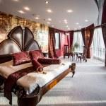 Luxury bedroom interior — Stock Photo