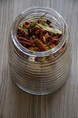 Chá de ervas ingredientes como gengibre e canela — Fotografia Stock