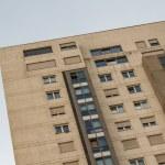 gran buiding utiliza la arquitectura contemporánea — Foto de Stock   #37303763
