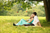Under a tree hugging — Foto Stock