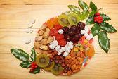 Nötter och torkad frukt — Stockfoto