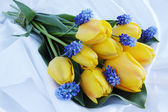 Tulips and muscari — Stock Photo
