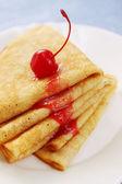 Pfannkuchen mit Marmelade — Stockfoto