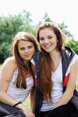 Young girlfriends — Stock Photo