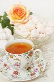 čaj s sladkosti — Stock fotografie