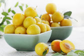 Yellow plums, summer still life — Stock Photo
