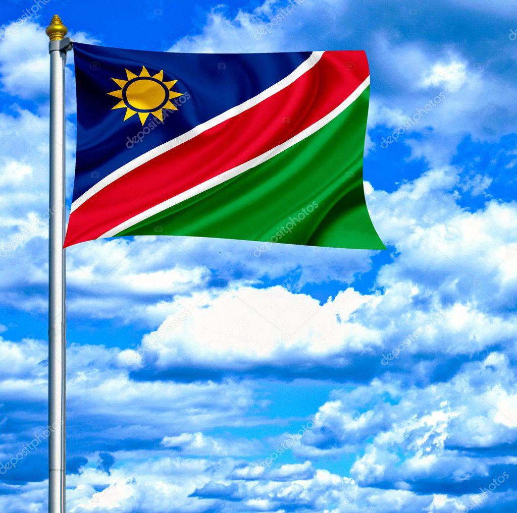 纳米比亚反对蓝蓝的天空挥旗