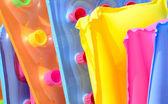 Groep van kleurrijke drijvende bedden — Stockfoto
