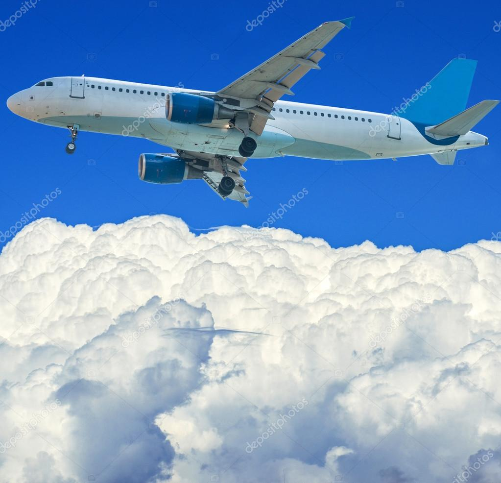 Airplane in the sky — Stock Photo #13428021