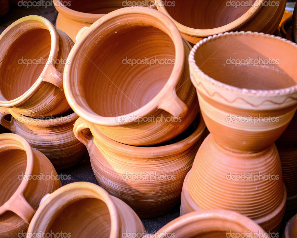 Glazed ceramics or earthenware — Stock Photo #13570011
