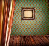 Grunge místnost s oponou a smajlíků rámečku obrázku — Stock fotografie