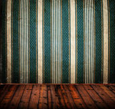 Empty old grunge room with vintage Damask wall texture — Stock Photo