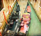 Vintage bild av gondoler på venedig canal — Stockfoto