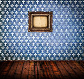 Interior of empty antique room woth wooden floor and blue damask — Stock Photo