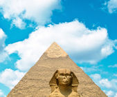 View on Great Sphinx and Khafre pyramid of Giza - Egypt — Stock Photo