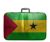 Vintage travel bag with flag of Sao Tome and Principe — ストック写真